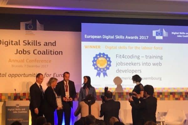 La formation FIT4Coding lauréate des European Digital Skills Awards